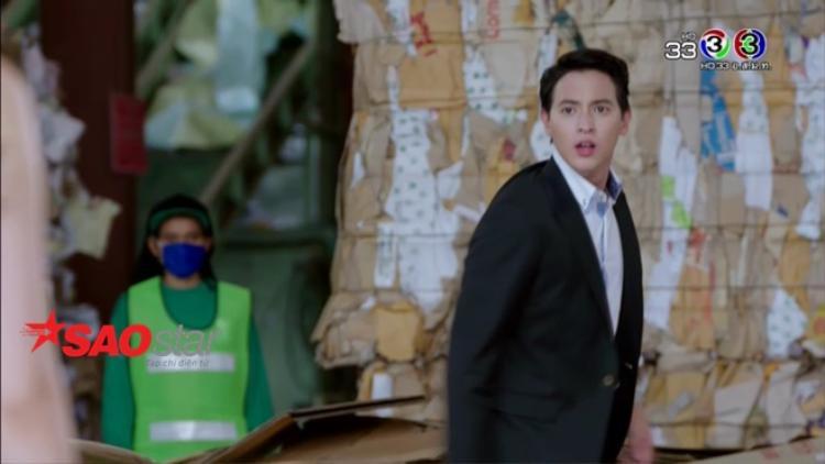 'Trò chơi tình ái' giờ mới bắt đầu: Được Taew Natapohn đút ăn đùi gà, James Jirayu đã yêu đến phát điên