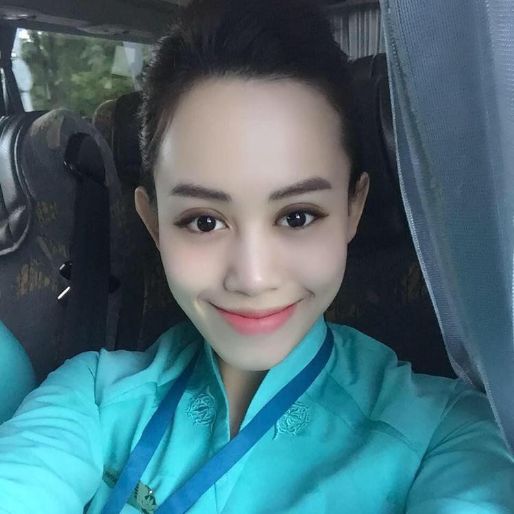 Hiện nay, cô nàng không đi theo con đường báo chí mà trở thành tiếp viên hàng không cho hãng Vietnam Airlines từ năm 2014. Quỳnh cũng đã lập gia đình và vừa có em bé đầu lòng.