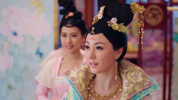 """Lưu Tâm Du cũng tương tự Châu Tú Na. Nguyên Nguyên - công chúa Linh Lung trong """"Thâm Cung kế"""" cũng là lần đầu cô đóng phim cho TVB"""