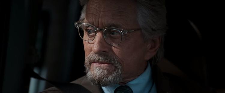 Hank Pym cũng trở lại để cứu vợ mình khỏi lượng tử giới.