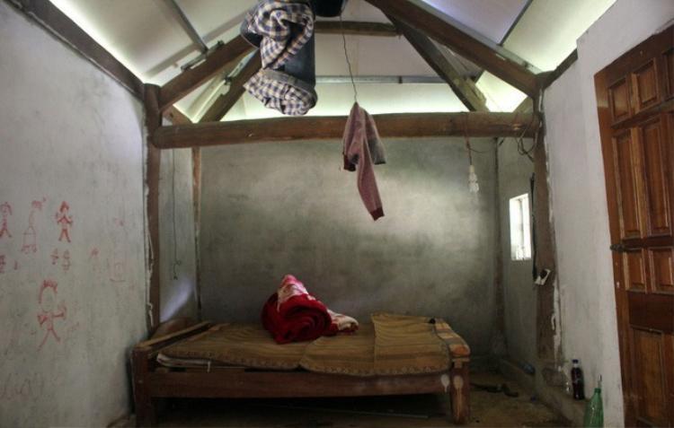 Không gian bên trong chỉ đủ để đặt giường ngủ.