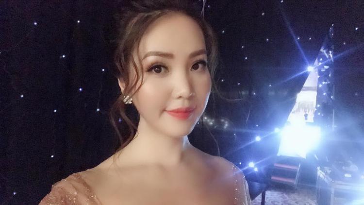 Phạm Hồng Thúy Vân, sinh ngày ngày 06 tháng 10 năm 1993 tại TP. Hồ Chí Minh là Á hậu 3 cuộc thi Hoa hậu Quốc tế năm 2015 được tổ chức tại Nhật Bản và là Á khôi 1 cuộc thi Hoa khôi Áo dài Việt Nam năm 2015