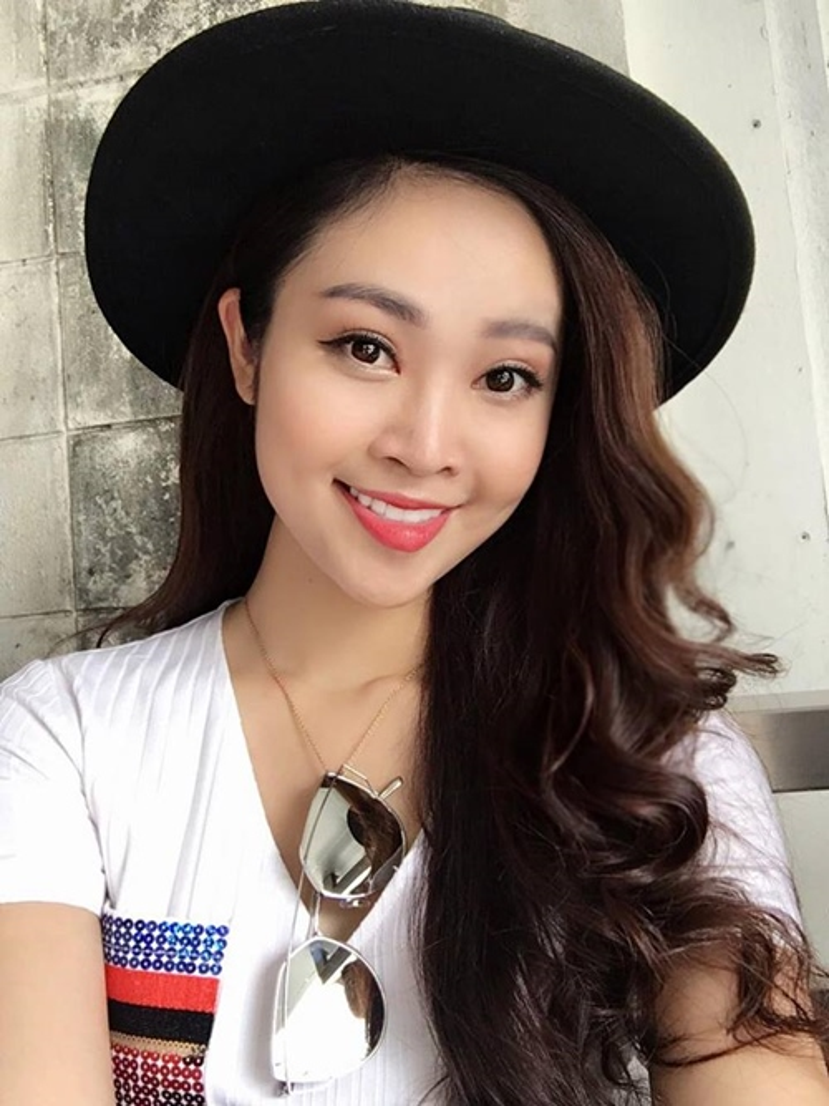 MC Thùy Linh là gương mặt quen thuộc trên truyền hình. Cô là người dẫn nhiều chương trình hấp dẫn như:Bài hát yêu thích, Muôn màu showbiz, Tạp chí âm nhạc…