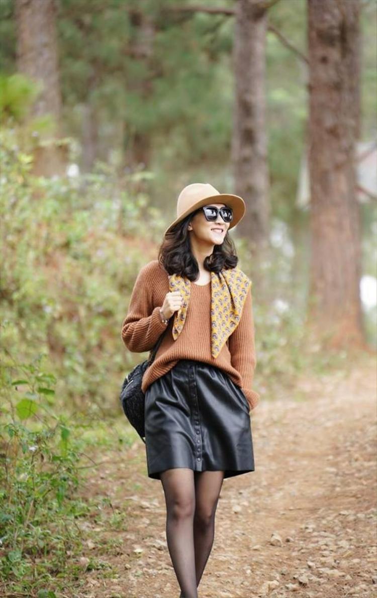 Đến nay, Khánh Trang đã trở thành một trong những gương mặt MC quen thuộc của bản tin Thời sự 19h.