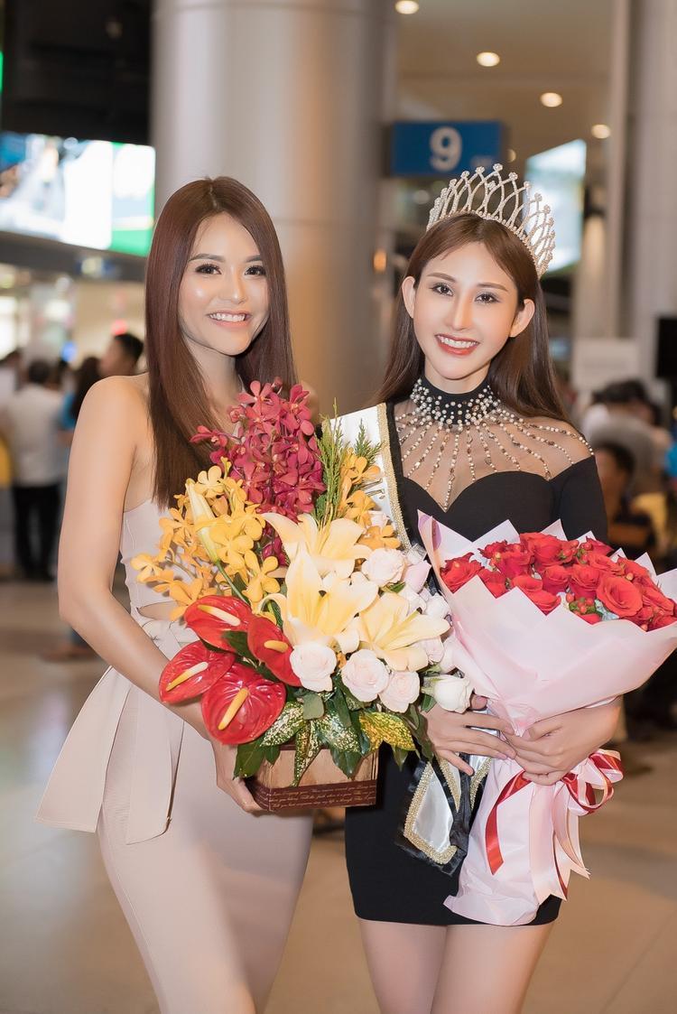 Chi Nguyễn rạng rỡ về nước sau đăng quang Miss Asia World 2018