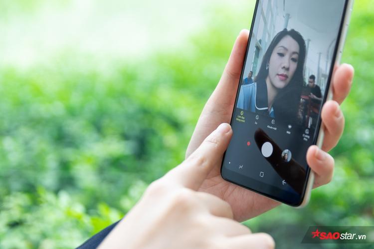 Mặc định Smart Beauty được bật sẵn, người dùng sẽ không cần quá bận tâm nhiều nhưng vẫn luôn có được các bức ảnh selfie đẹp