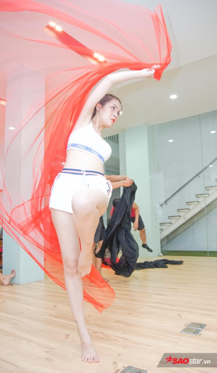 Diễm Châu cũng nhận được nhiều lời khen vì sự cố gắng, dám thách thức bản thân.
