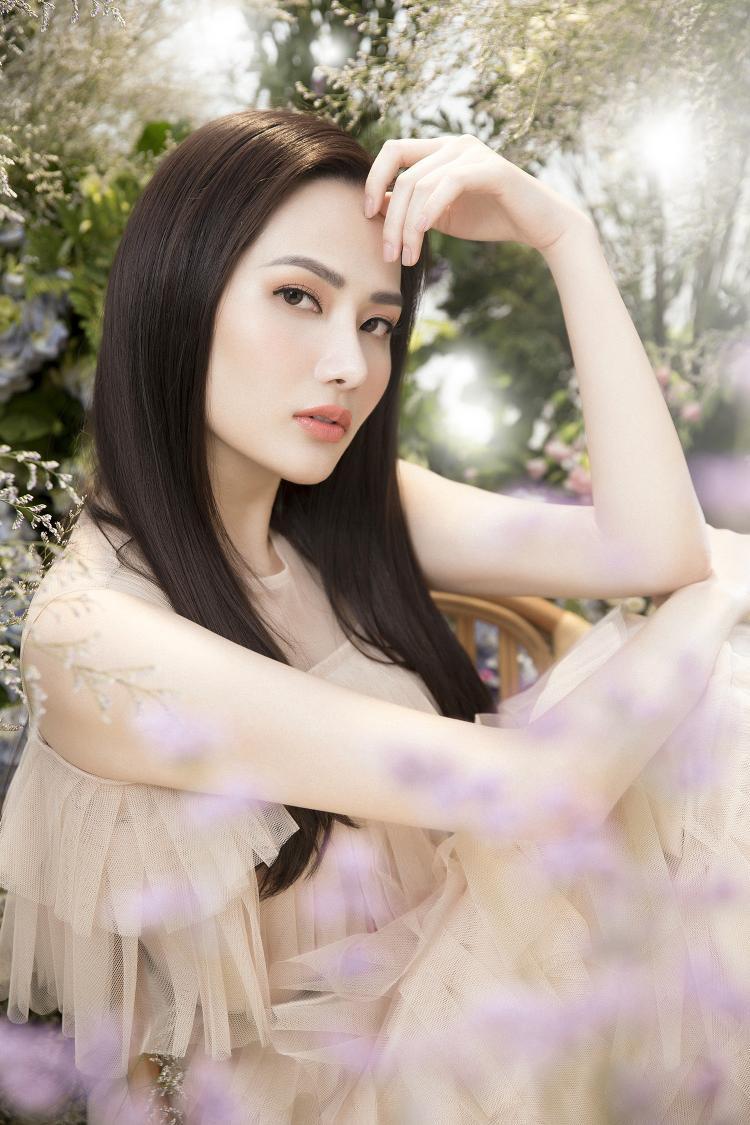 Trở thành Hoa hậu Du lịch Toàn cầu 2018, Nguyễn Diệu Linh đã có những hoạt động sôi nổi hơn trong làng giải trí. Đặc biệt, cùng với ekip của mình Diệu Linh liên tục thực hiện và cho ra nhiều bộ ảnh thời trang đặc sắc.
