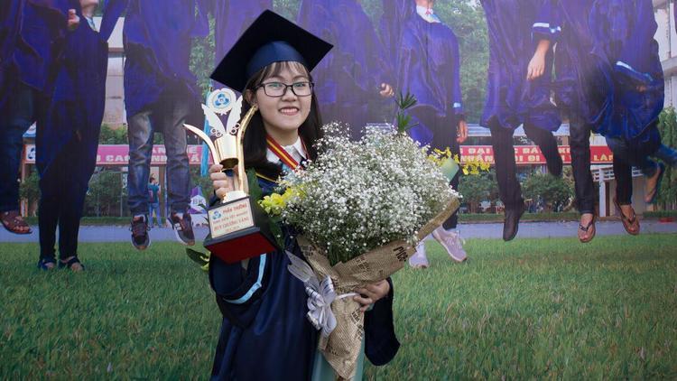 Tân thủ khoa tốt nghiệp 2018 của Đại học Bách khoa TP HCM - Dương Ngọc Khánh Vy.