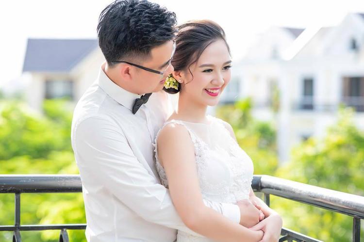 Hoa khôi Duyên dáng Hà thành  hot girl Bánh đúc có xương bất ngờ lên xe hoa khi đang là sinh viên
