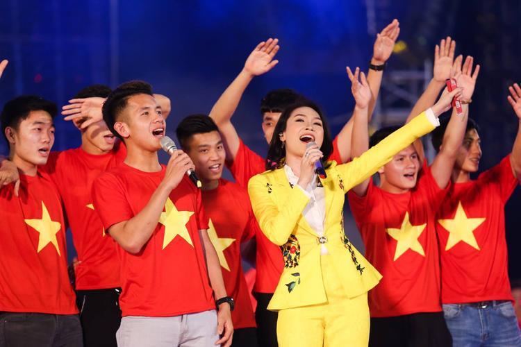 Những nghệ sĩ Việt được khán giả ưu ái nhớ đến cùng danh xưng quốc dân