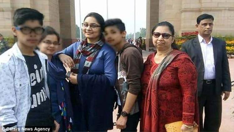 Một số thành viên trong gia đình vụ treo cổ tự sát rúng động Ấn Độ.
