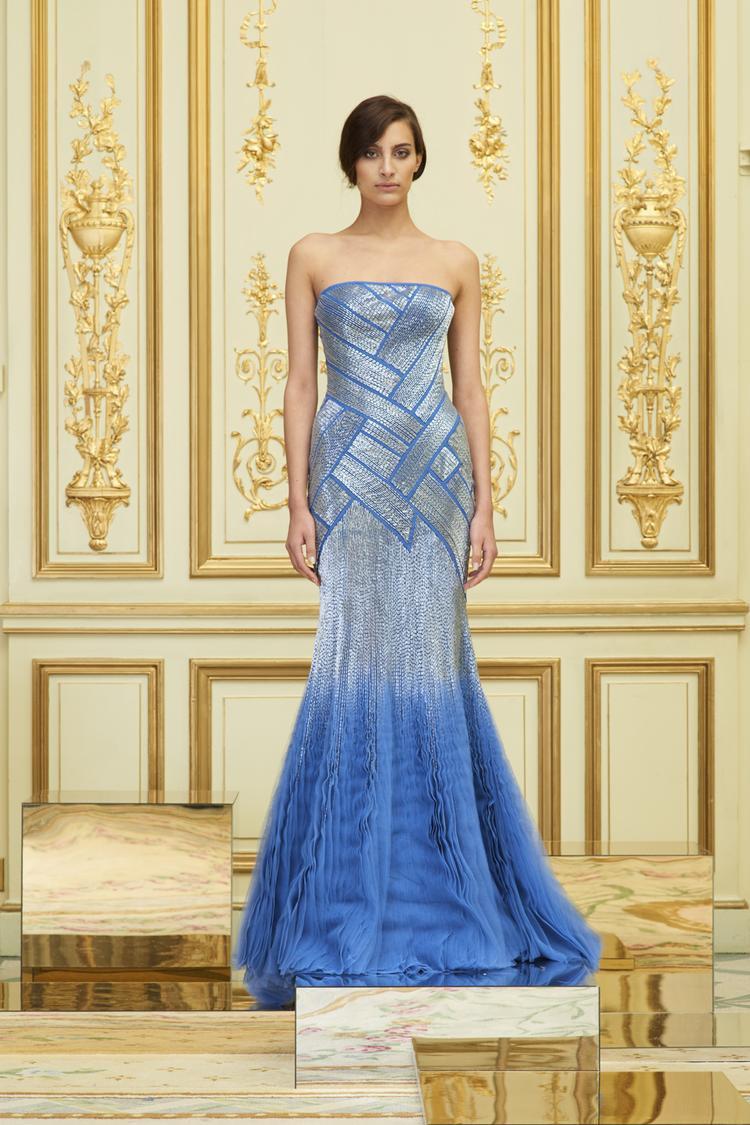 Trong khi Vbiz đau đầu với nạn đạo nhái thì 1 thiết kế Việt lọt top 25 chiếc đầm đẹp nhất Haute Couture Paris 2018