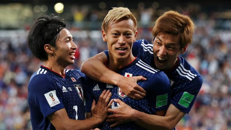 Trong loạt trận cuối của bảng H, các cổ động viên Nhật Bản liên tục dùng Siri để cập nhật kết quả trận đấu của đối thủ Senegal. Không ít người làm điều đó nhờ AirPods.
