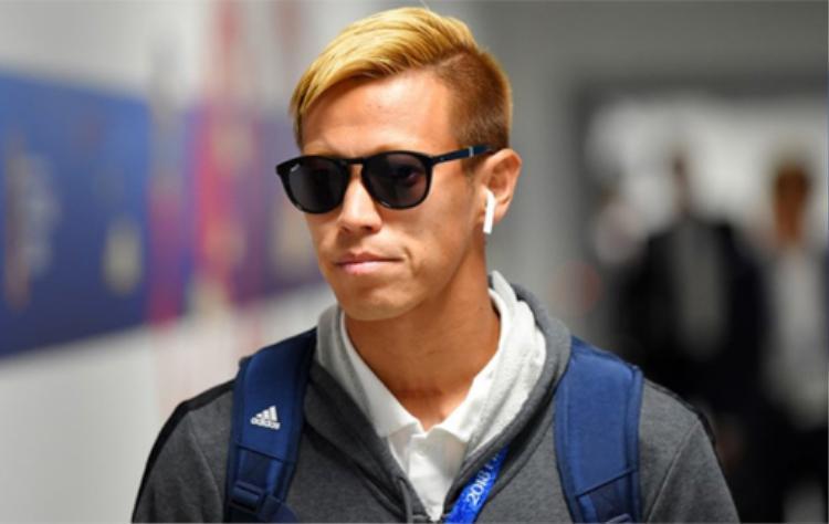 Cầu thủ Kaisuke Honda của Nhật Bản là một trong những người thường xuyên xuất hiện cùng AirPods.