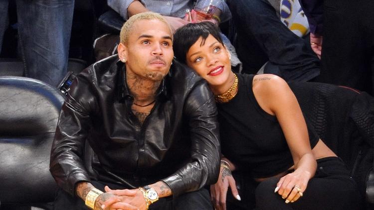 Mối tình ngọt ngào hơn 8 tháng của Chris Brown và Rihanna đã kết thúc trong đau thương.