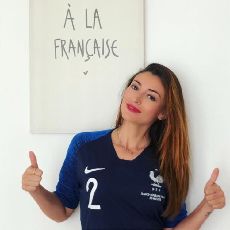 'Đứng hình' trước dung nhan của cô Hoa hậu là bạn gái tuyển thủ Pháp