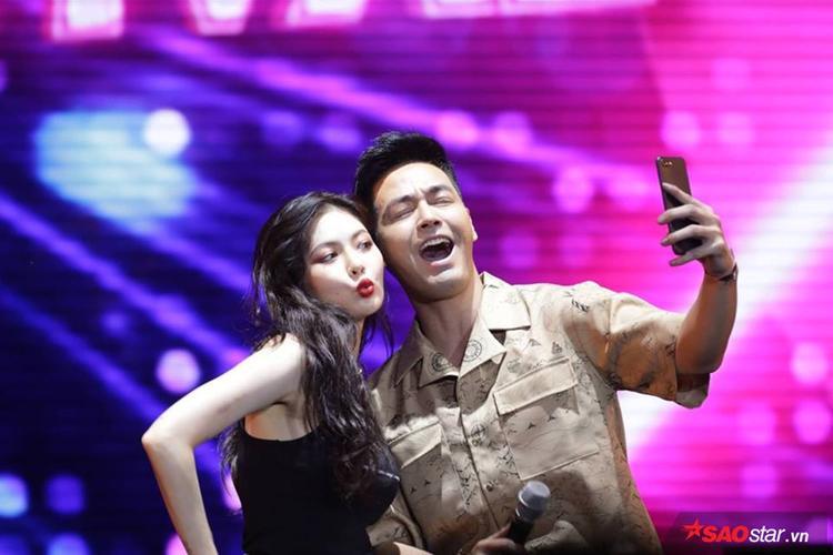 Chàng trai may mắn nhất ngày hôm nay không ai khác ngoài… MC Phan Anh.