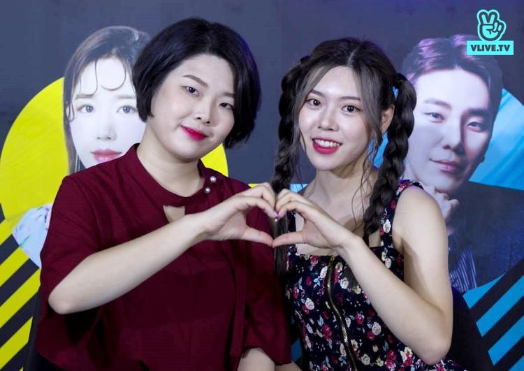 Cặp chị em Beauty Creator nổi tiếng của Hàn Quốc, Kko Kko và Kko Muri.