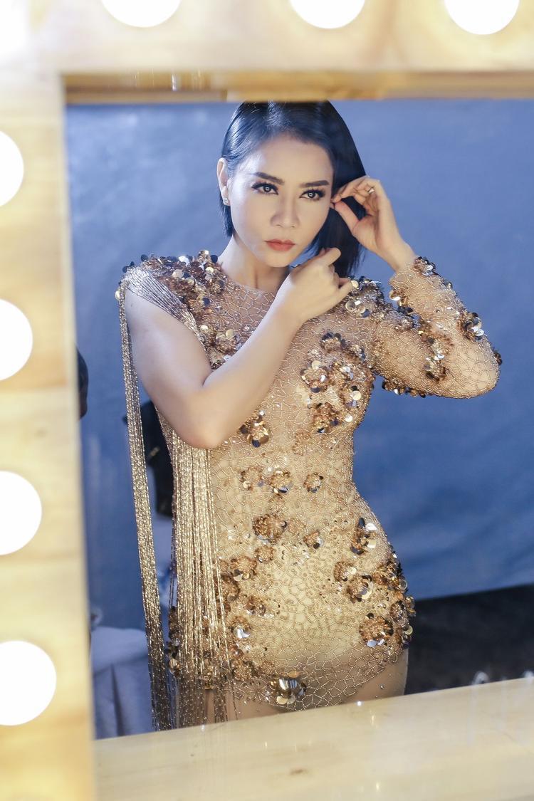 Nữ ca sĩ Thu Minh xuất hiện với nhan sắc được đánh giá ngày càng thăng hạng.