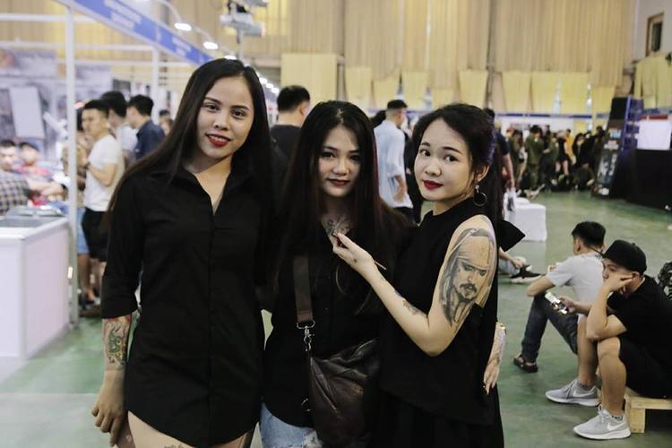 Giờ đây, xăm hình cũng đã trở thành sự lựa chọn của nhiều bạn nữ xinh đẹp, cá tính.