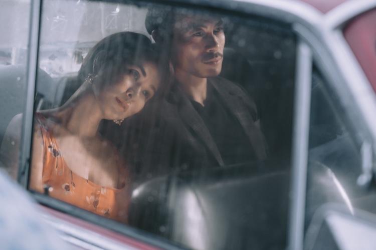Hành trình của cặp tình nhân trong MV Đại lộ tan vỡ còn là những khuôn hình dường như ngột ngạt. Đó là cảm xúc của sự tan vỡ và cái kết buồn của một câu chuyện tình.