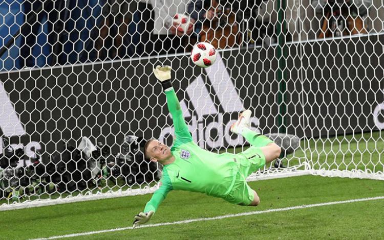 Vì sao những quả penalty là quá khắc nghiệt và thiếu công bằng cho các thủ môn?