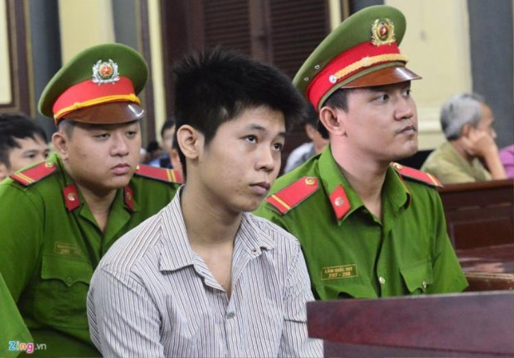 Nguyễn Hữu Tình tại phiên xét xử sáng nay. Ảnh: Zing.vn