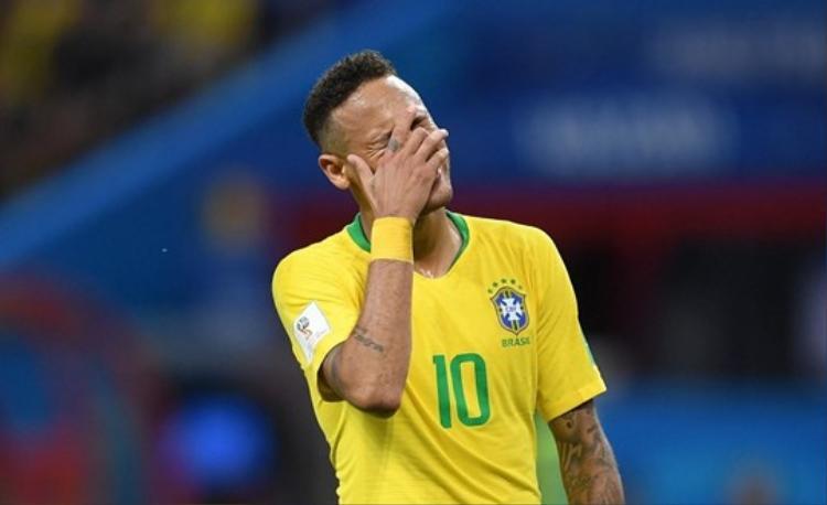 Bệnh thành tích và sức ép danh hiệu đã ép chết Neymar.