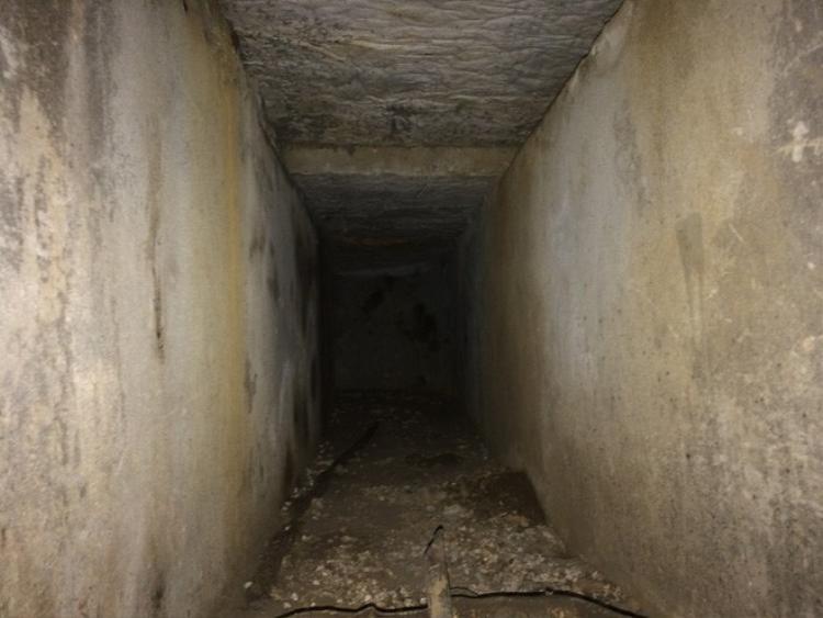 Trong nhà trùm ma túy Nguyễn Thanh Tuân có hầm thông ra ngoài. Ảnh: Hoàng An.