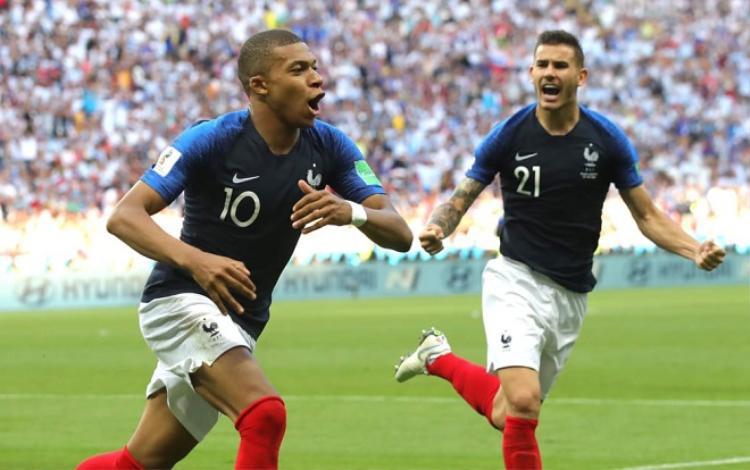 Mbappe đã bị sụp đổ hình tượng trong mắt người hâm mộ. Ảnh: Fifa.com.