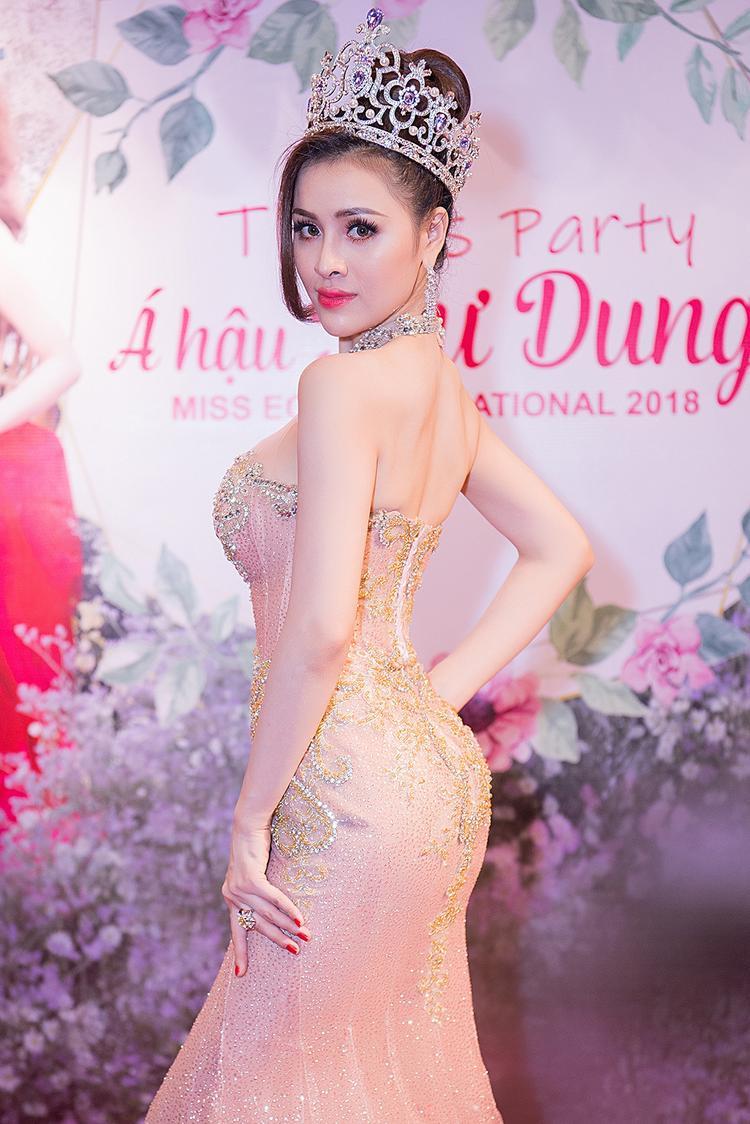 Thiết kế váy đuôi cá khoe trọn vẻ đẹp hình thể luôn là một lựa chọn được nhiều hoa hậu, á hậu Việt ưa thích trên thảm đỏ.