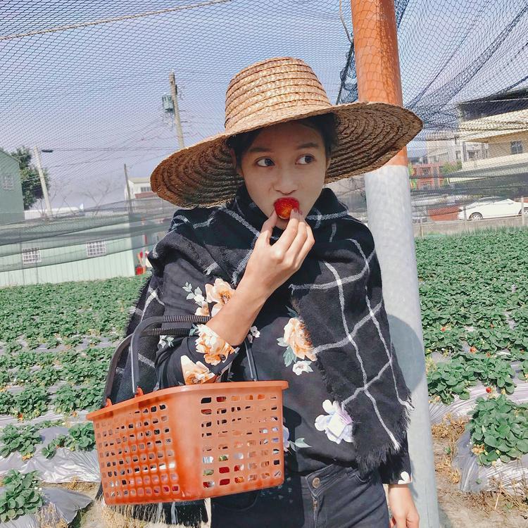 Xem đến bức ảnh thứ 5 sẽ giật mình vì sự thay đổi của Khả Ngân  nữ chính Hậu duệ mặt trời bản Việt