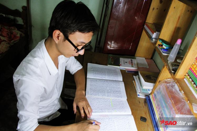 Thạch là thí sinh duy nhất của tỉnh Quảng Nam đạt điểm 9.75 môn Văn - cao nhất cả nước.