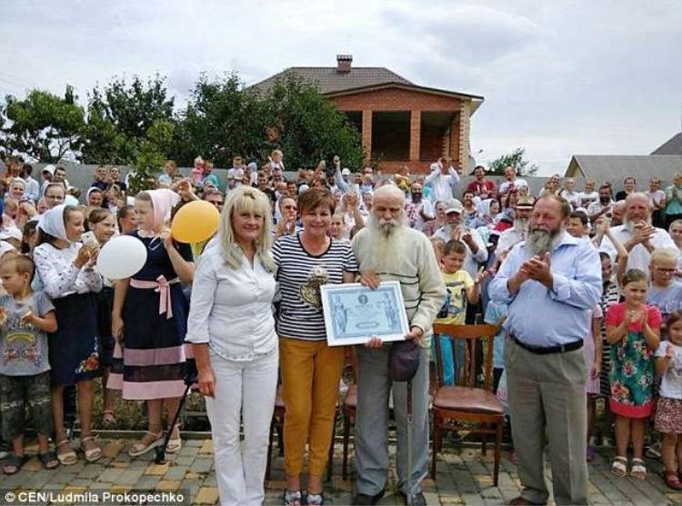 Hiện tại gia đình ông Pavel đã được công nhận là gia đình lớn nhất Ukraine.