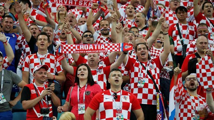 Chỉ 4 triệu dân vẫn vào chung kết World Cup
