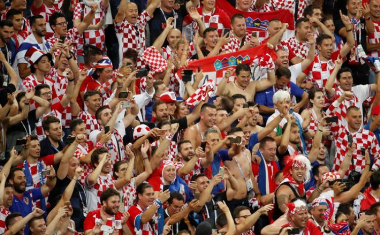 Niềm vui tột cùng của người dân Croatia. Ảnh: Reuters