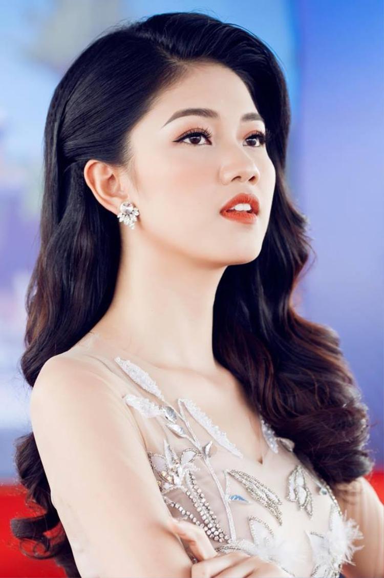 Hiện tại, cô làm MC cho khá nhiều sự kiện giải trí bên cạnh công việc ở đài truyền hình.