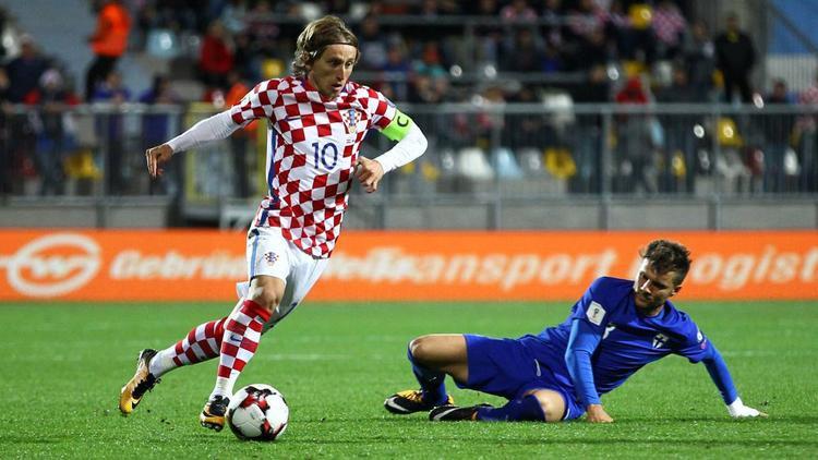 Bóng vàng cho Modric, tại sao không?