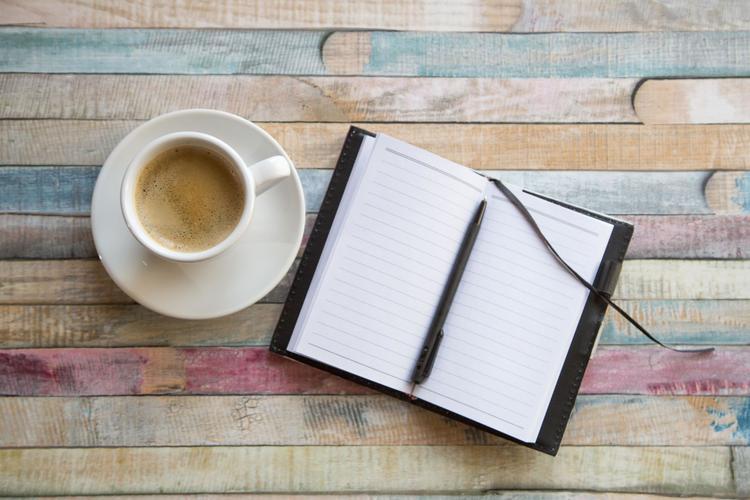 Một cuốn nhật kí viết về những câu chuyện của bạn có thể là đem tới cho bạn cảm giác hạnh phúc.