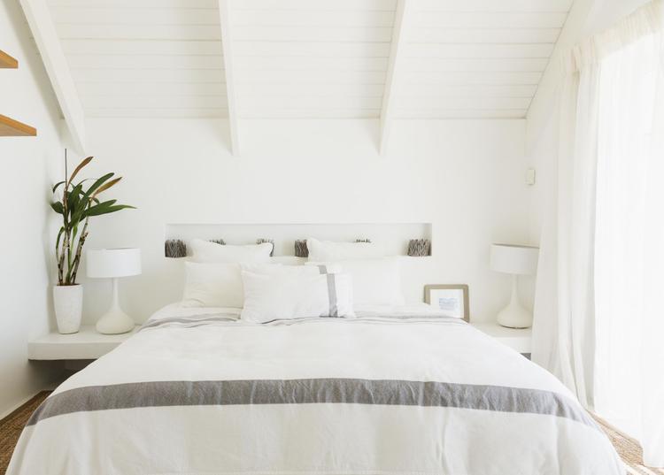 Trong ngôi nhà, nơi bình yên nhất là trên chiếc giường của họ. Vì thế, một chiếc giường đúng mơ ước sẽ giúp bạn luôn cảm thấy hạnh phúc và thoải mái nhất.