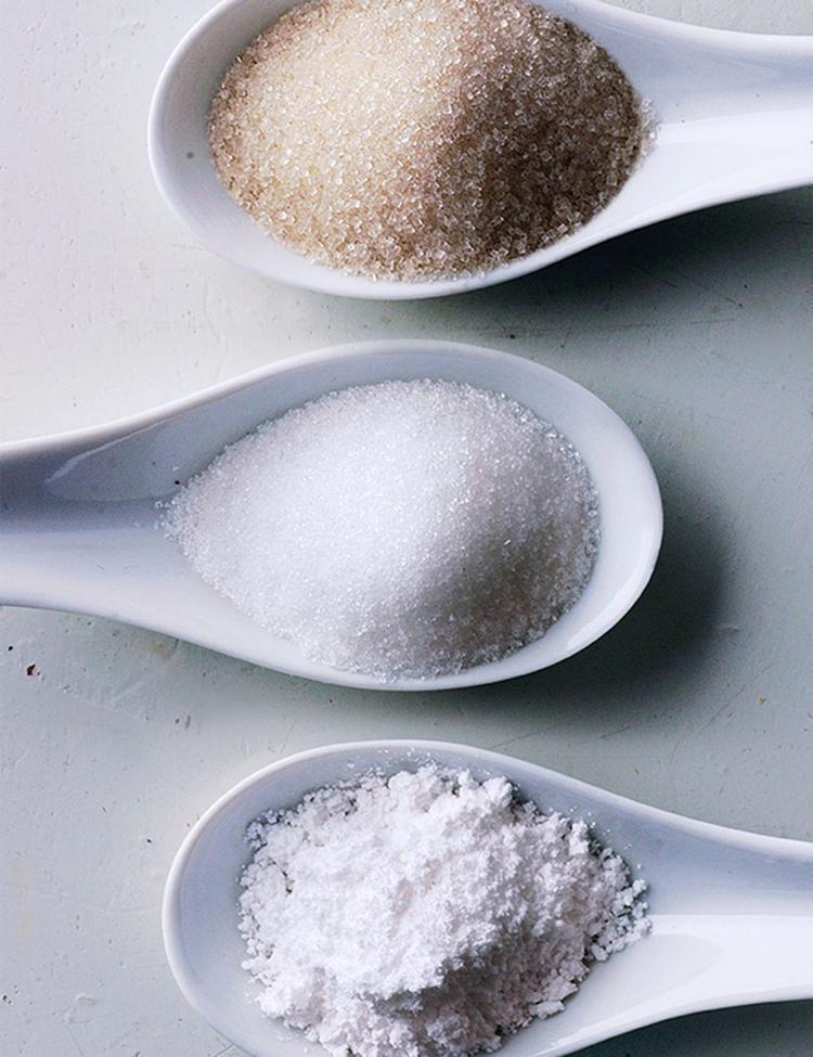 Đừng làm tổn thương da bởi các nguyên liệu như đường, muối,…