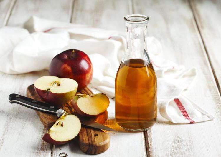 Giấm táo quá mạnh với làn da mặt mỏng manh