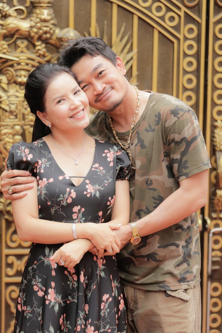 Sau 18 năm, Tiên đồng  Ngọc nữ Quốc Thái và Ngọc Trinh đã về bên nhau