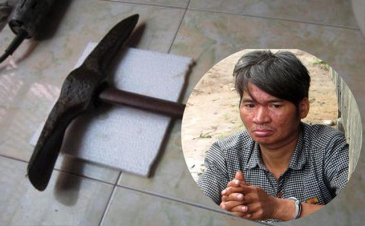 Đối tượng A Deo (hình nhỏ) dùng cuốc chim giết vợ. Ảnh: VTC News.