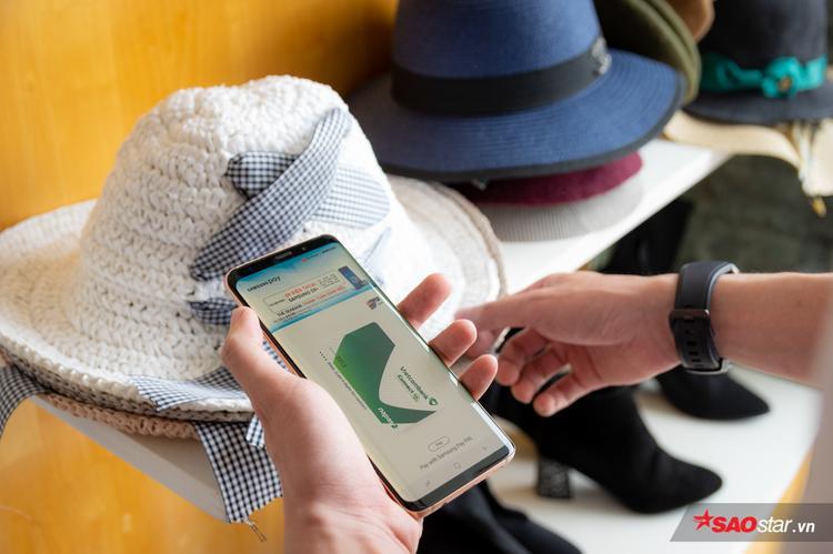 Việc dùng kết hợp Samsung Pay song song với thẻ cũng như tiền mặt sẽ đem lại sự linh hoạt và tiện lợi nhất đối với người dùng hiện tại