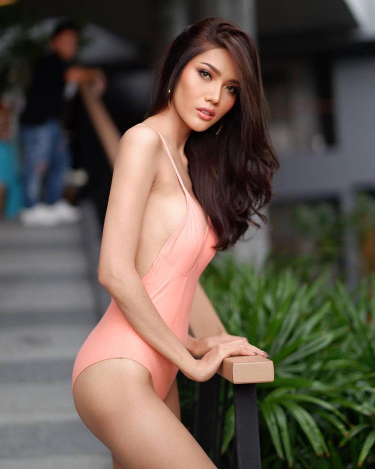 Trong phần thi ứng xử, phần thi quan trọng quyết định ngôi vị Hoa hậu thuộc về ai, người đẹp Moss Namoey Chanapan đã có câu trả lời thể hiện rõ ràng cá tính, thuyết phục.