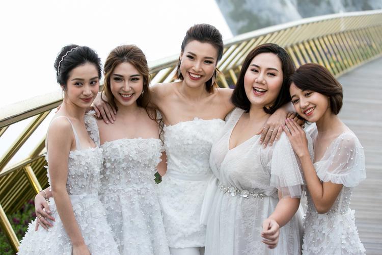 5 cô gái tượng trưng cho 5 cá tính khác nhau, nhưng tựu trung đều thể hiện rõ nét thanh xuân tươi trẻ của người con gái.