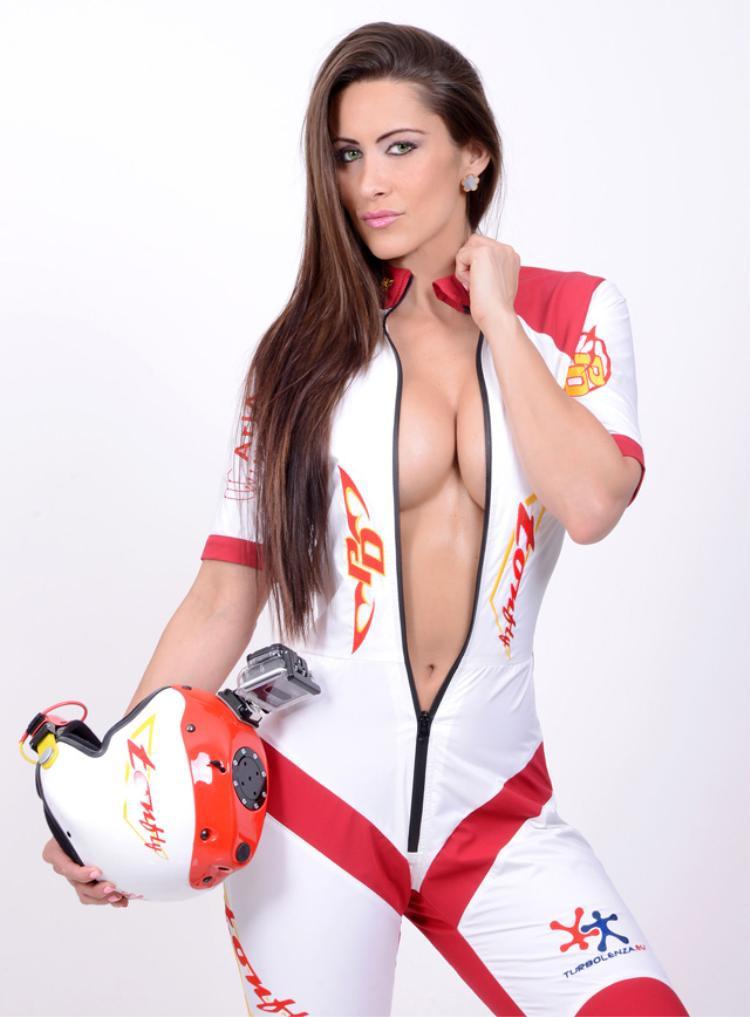Siêu mẫu Playboy 'tiếp lửa' cho đội tuyển Pháp hạ Croatia