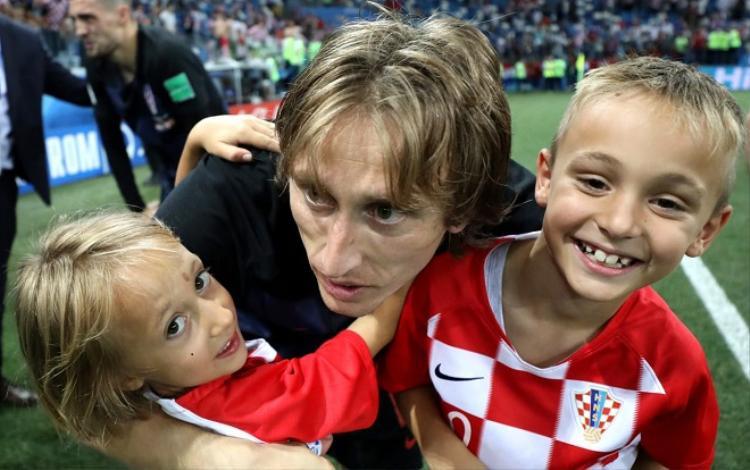 Modric đã từng có tuổi thơ đầy cơ cực. Ảnh: Fifa.com.